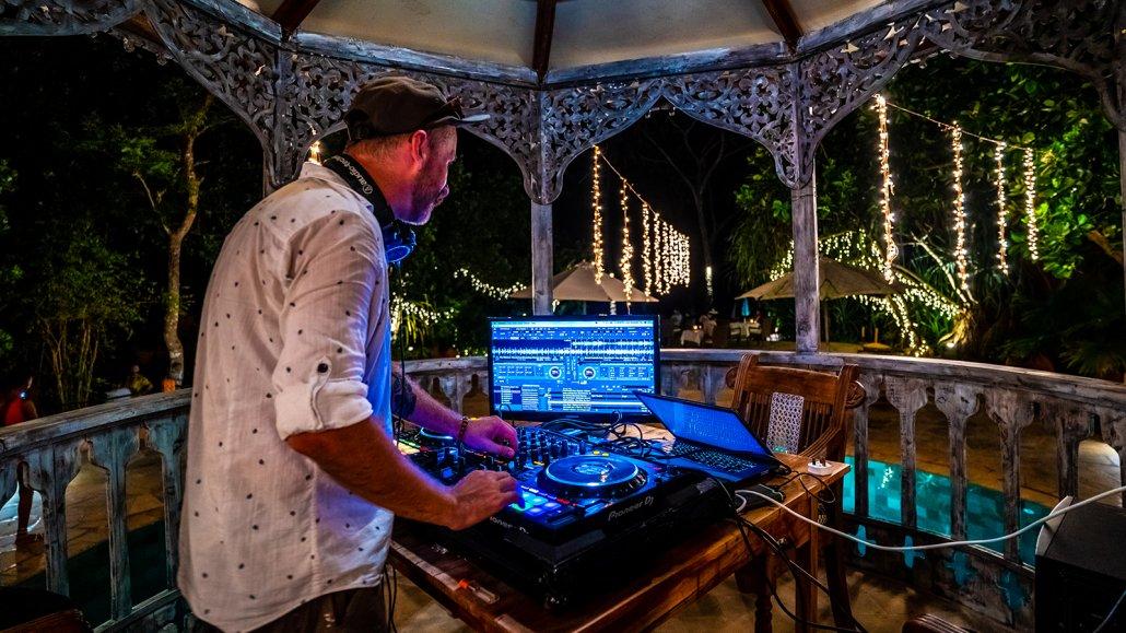 DJ Evan Rhodes